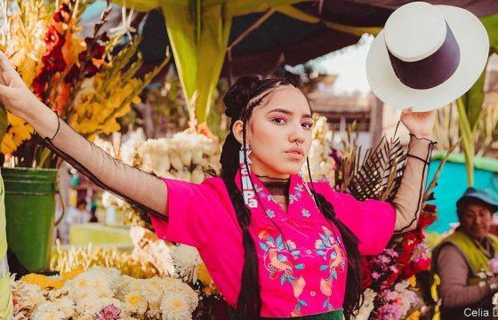 Renata Flores, cantante peruana que abraza su herencia quechua
